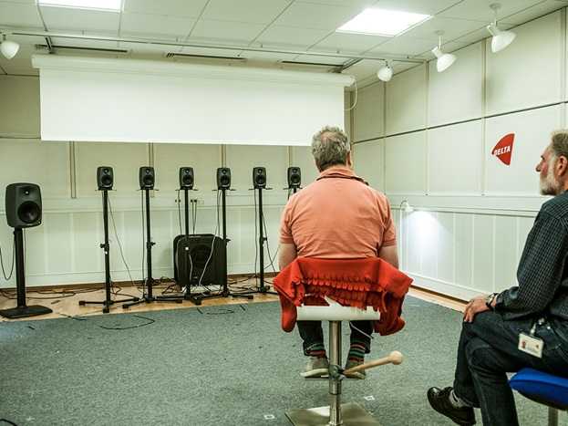 Listening test with a blind person